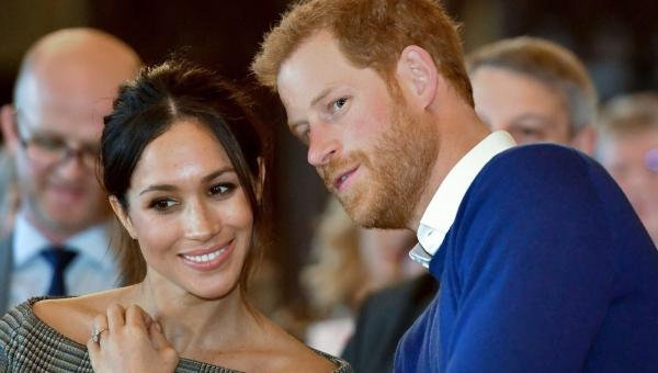 Ο γάμος της χρονιάς είναι το Σάββατο 10 Μαΐου και Το Παλάτι του Κένσινγκτον  ανακοίνωσε με κάθε επισημότητα τα παρανυφάκια του Πρίγκιπα Χάρι και της  Μέγκαν ... 7c5a9066c55