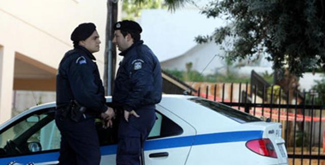 Επιασαν χήρα μητέρα 6 κοριτσιών να κλέβει - Θα πάθετε πλάκα μόλις δείτε τι  έκανε ο αστυνομικός! d402c6c3ba8