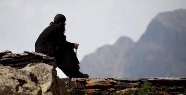 Αποτέλεσμα εικόνας για μοναχος στο αγιο ορος