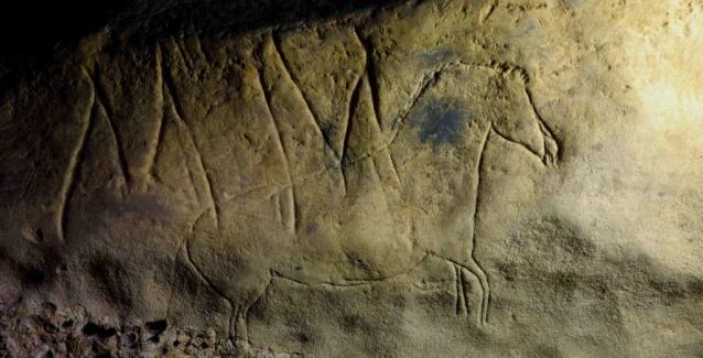 Ζωγραφιές εκπληκτικής ομορφιάς και ανεξήγητα σύμβολα 15.000 ετών σε μια σπηλιά στην Ισπανία! (Εικόνες)