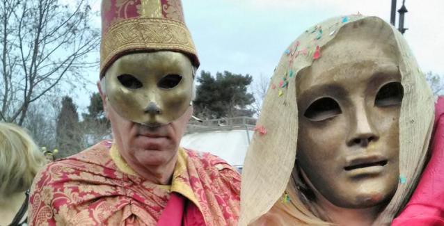 Με άρωμα Βενετίας το καρναβάλι της Κέρκυρας... Μοναδικές εικόνες!