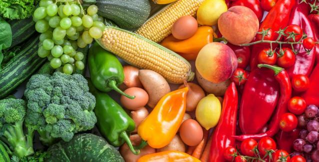 Oι απαραίτητες βιταμίνες για τις γυναίκες άνω των 40