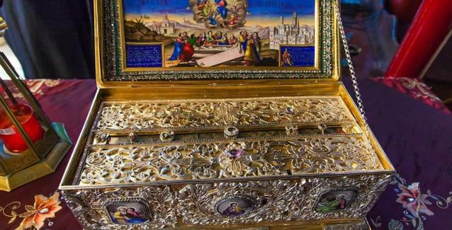 Σε λίγη ώρα η Αγία Ζώνη της Παναγίας στην Τρίπολη. Μαρτυρίες για τα θαύματα που βίωσαν όσοι την προσκήνυσαν