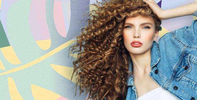 Αν τα μαλλιά σας είναι σγουρά ή σπαστά και θέλετε να διατηρήσετε και να  τονίσετε τις υπέροχες μπούκλες σας 701aff5b23c