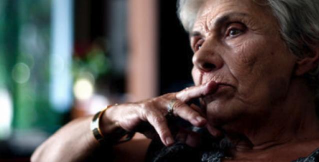 Σε ποια άφησε -ως κληρονομιά- τα τελευταία της ποιήματα, η Κική Δημουλά; (Φωτό)