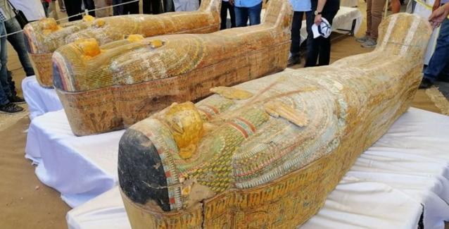 Εντυπωσιακό εύρημα στο Λούξορ - Αρχαιολόγοι έφεραν στο φως 30 ξύλινες σαρκοφάγους με μούμιες
