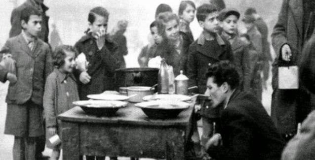 Τα Χριστούγεννα του '40: Το γιορτινό τραπέζι της Κατοχής | BriefingNews