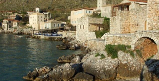 Όλο το χωριό χειροκροτεί τον φονιά»: Η εκδίκηση ενός πατέρα που σκότωσε τον  δολοφόνο του 14χρονου γιου του | BriefingNews