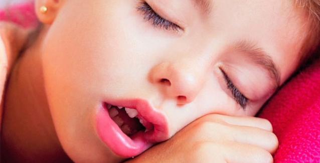 Βλέπετε συχνά το παιδί σας να αναπνέει από το στόμα  Το ακούτε να ροχαλίζει  κάθε βράδυ  Αν ναι 0a385bfa8be